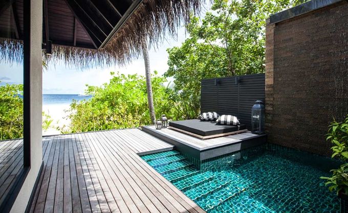房型内部设施图片参考,如无边泳池与电视及音响, 沙滩泳池别墅-Beach Pool Villa maldievs(奥瑞格卡纳塔 Outrigger Konotta)