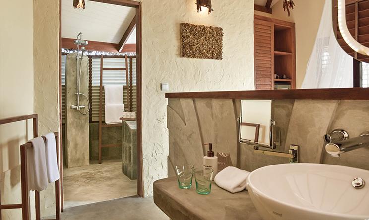 房型内部设施图片参考,如无边泳池与电视及音响, 沙滩别墅-Beach villa maldievs(隐居岛 Drift thelu veliga retreat maldives)