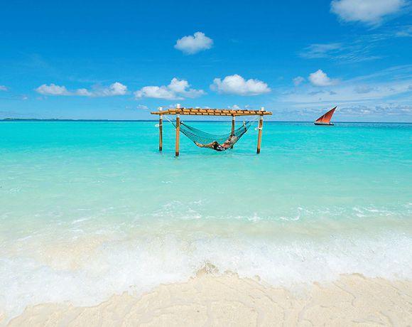 马尔代夫AYADA早晚餐&内飞及快船往返接送,由112幢豪华别墅度假村组成,每栋别墅都带有私人游泳池。