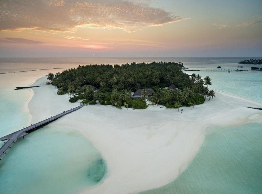 白马庄园 Cheval Blanc Randheli ,马尔代夫风景图片集:沙滩beach与海水water太美,泳池pool与水上活动watersport好玩