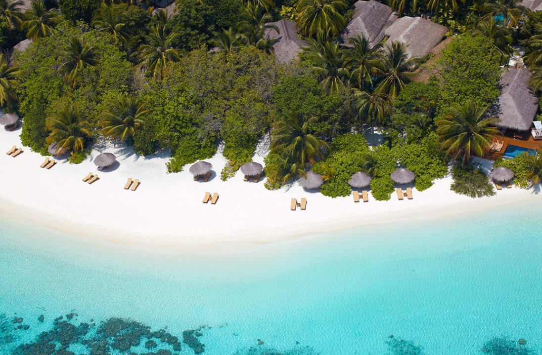 巴洛斯岛 Baros ,马尔代夫风景图片集:沙滩beach与海水water太美,泳池pool与水上活动watersport好玩