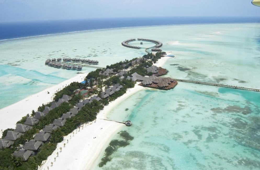 双鱼岛 欧芙菲莉岛 Olhuveli Beach & Spa Resort ,马尔代夫风景图片集:沙滩beach与海水water太美,泳池pool与水上活动watersport好玩