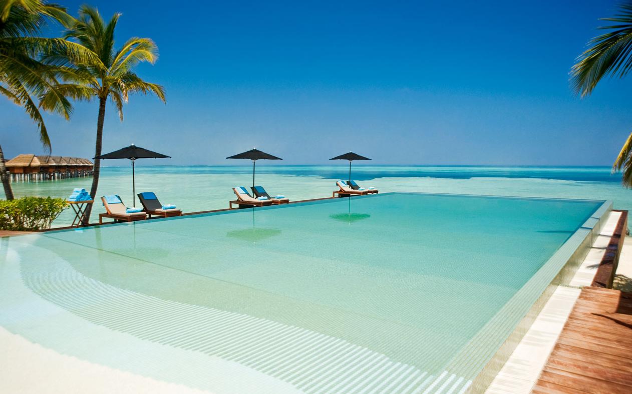 丽世岛|原迪瓦岛 LUX* Maldives ,马尔代夫风景图片集:沙滩beach与海水water太美,泳池pool与水上活动watersport好玩