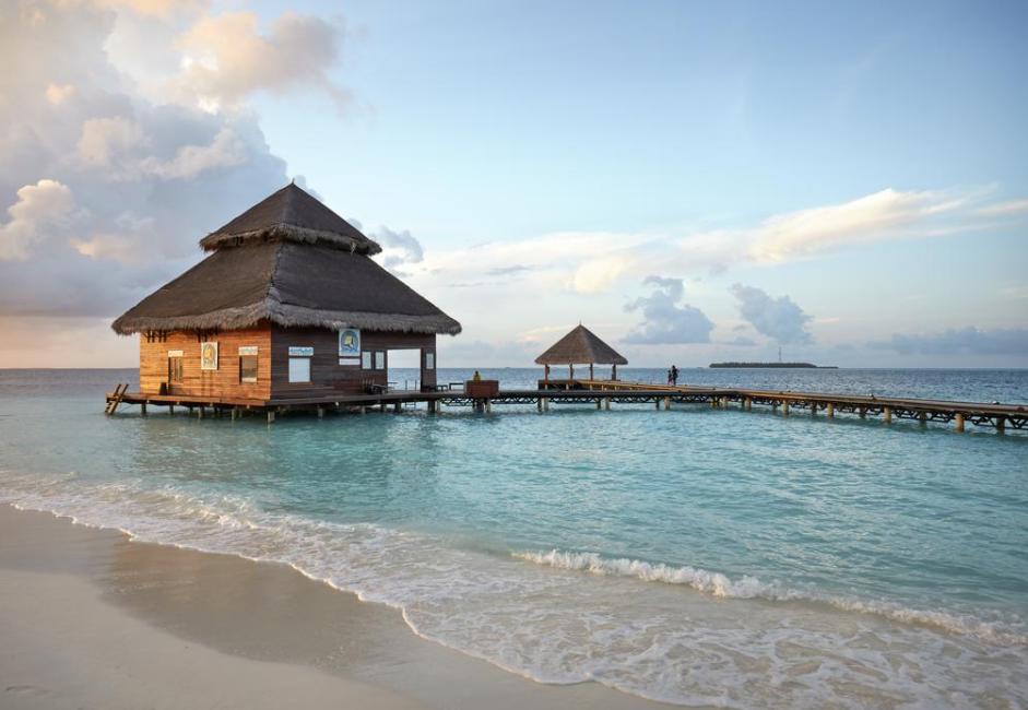 绚丽岛 Adaaran Rannalhi Club ,马尔代夫风景图片集:沙滩beach与海水water太美,泳池pool与水上活动watersport好玩
