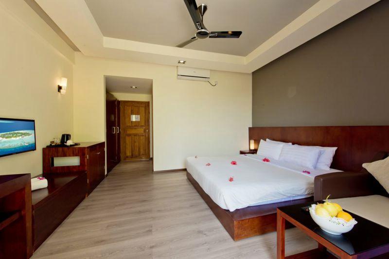 房型内部设施图片参考,如无边泳池与电视及音响, 标准客房-Standard room maldievs(埃雅度 Eriyadu Island Resort)