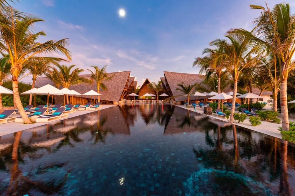 莫凡彼岛 Movenpick Resort Kuredhivaru Maldives ,马尔代夫风景图片集:沙滩beach与海水water太美,泳池pool与水上活动watersport好玩