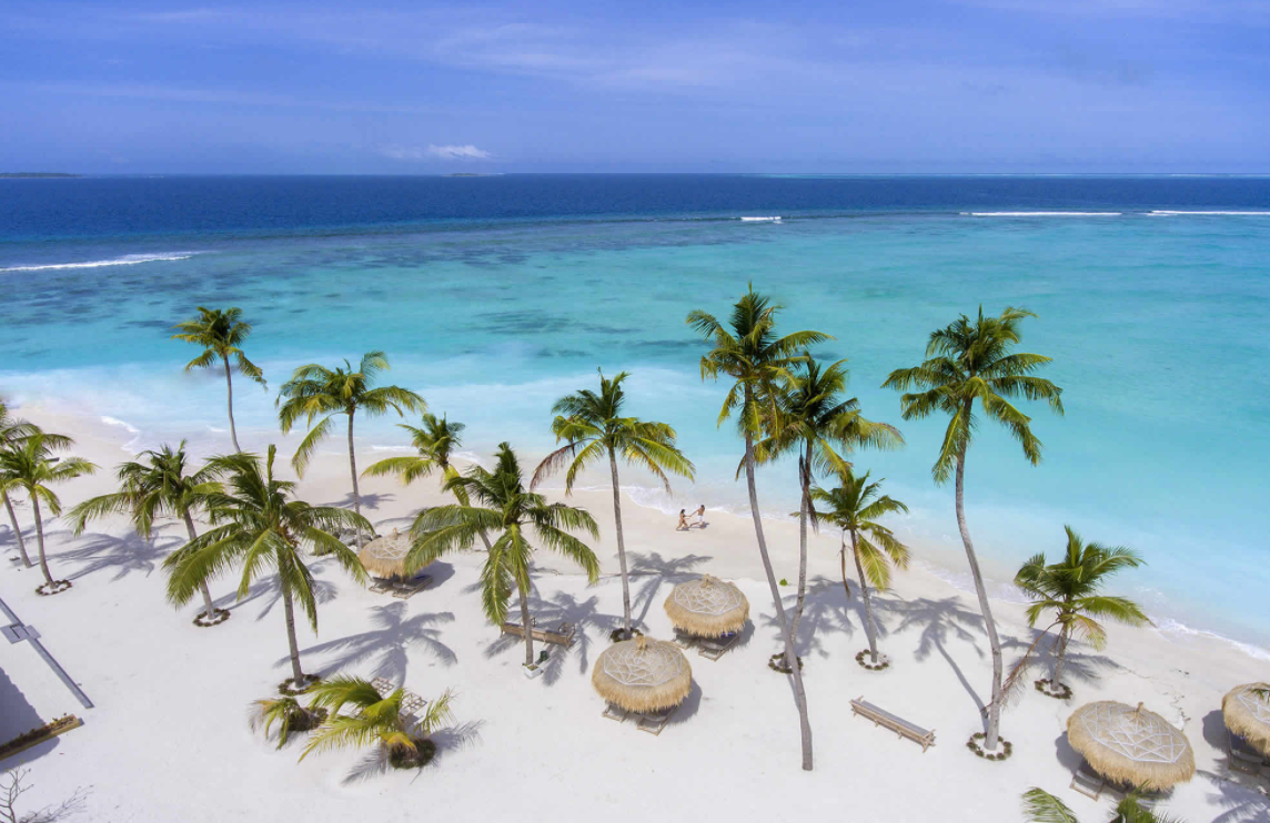 翡翠岛 Emerald Maldives Resort and Spa ,马尔代夫风景图片集:沙滩beach与海水water太美,泳池pool与水上活动watersport好玩