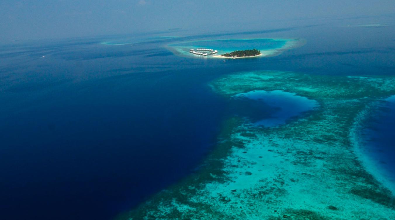 钻石阿莎格岛 Diamonds Athuruga 鸟瞰地图birdview map清晰版 马尔代夫