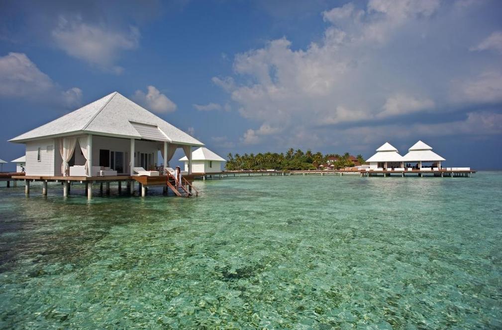 钻石阿莎格岛 Diamonds Athuruga ,马尔代夫风景图片集:沙滩beach与海水water太美,泳池pool与水上活动watersport好玩