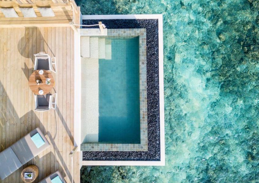洲际酒店(ihg) InterContinental Maldives Maamunagau Resort ,马尔代夫风景图片集:沙滩beach与海水water太美,泳池pool与水上活动watersport好玩