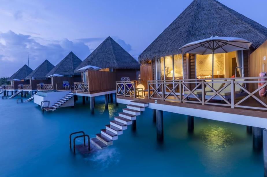 美居度假村 Mercure Maldives Kooddoo ,马尔代夫风景图片集:沙滩beach与海水water太美,泳池pool与水上活动watersport好玩