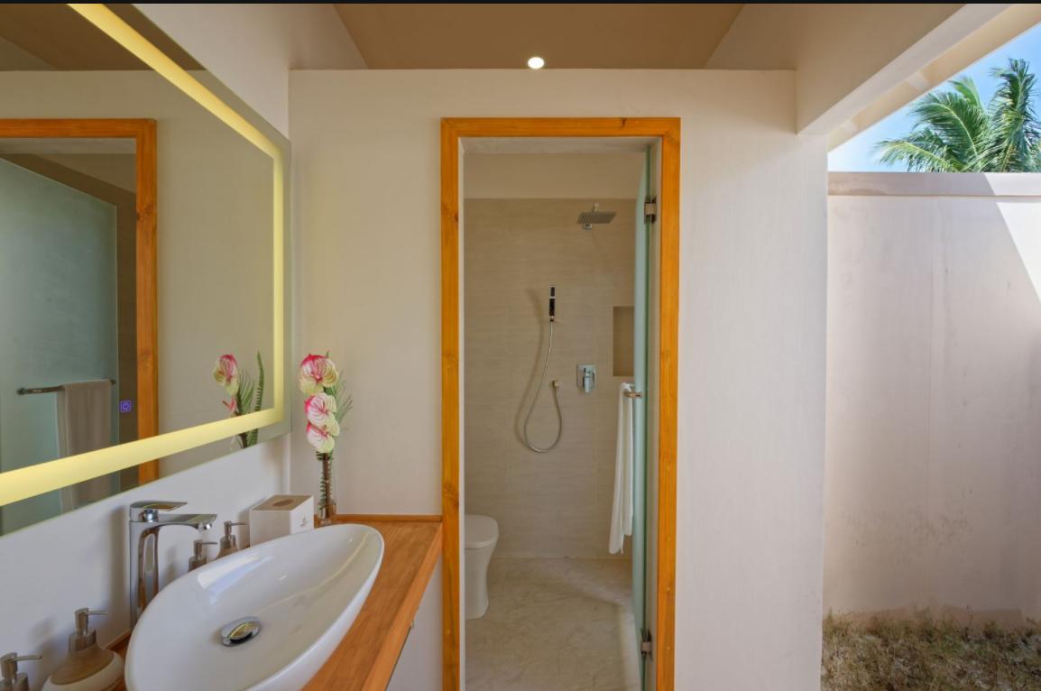 房型内部设施图片参考,如无边泳池与电视及音响, Garden villa-花园别墅 maldievs(布伦尼亚岛 Brennia Kottefaru Resort  Spa Maldives)