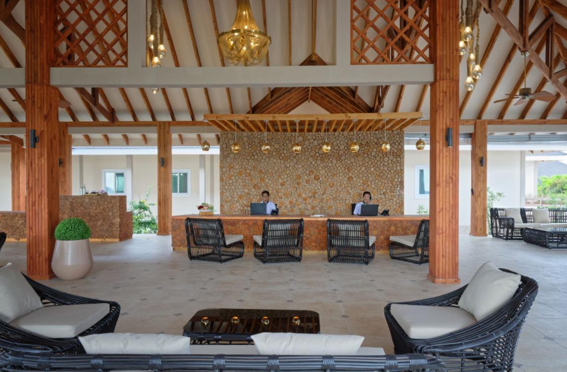 布伦尼亚岛 Brennia Kottefaru Resort  Spa Maldives ,马尔代夫风景图片集:沙滩beach与海水water太美,泳池pool与水上活动watersport好玩