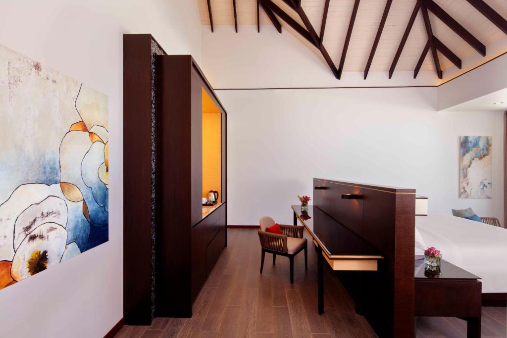 Beach Pool Villa-海滩泳池别墅 房型图片及房间装修风格(丽笙度假酒店 Radisson Blu Resort Maldive)海岛马尔代夫