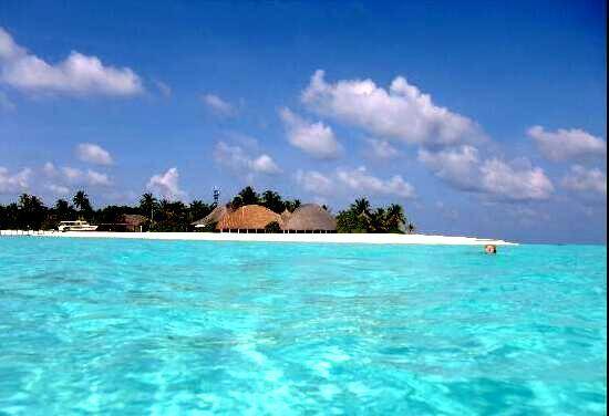 安嘎嘎岛 Angaga Island ,马尔代夫风景图片集:沙滩beach与海水water太美,泳池pool与水上活动watersport好玩