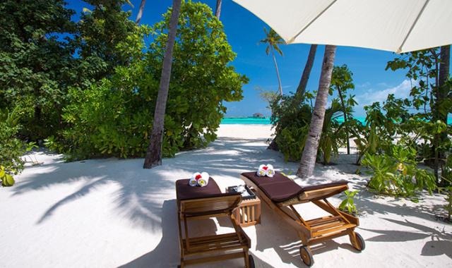 房型内部设施图片参考,如无边泳池与电视及音响, 日落海滩别墅-Sunset Beach Villas maldievs(卡尼富士岛 Atmosphere Kanifushi Maldives)