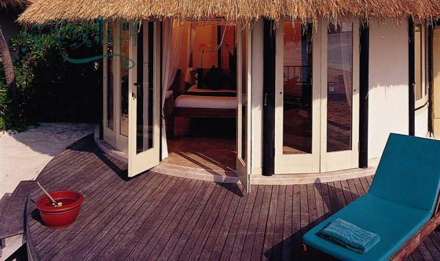 房型内部设施图片参考,如无边泳池与电视及音响, 海景泳池别墅-Oceanview Pool Villa maldievs(悦榕庄–瓦宾法鲁岛 Vabbinfaru)