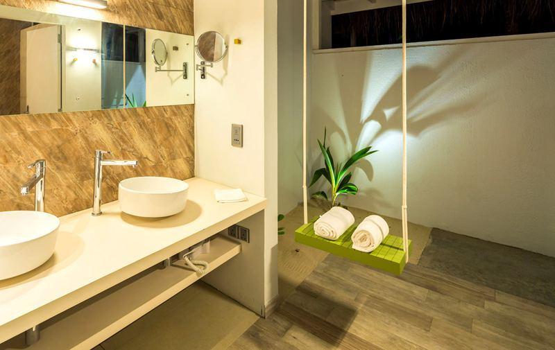 房型内部设施图片参考,如无边泳池与电视及音响, 海滩别墅-Beach Villa maldievs(可可尼岛 Cocoon Maldives)
