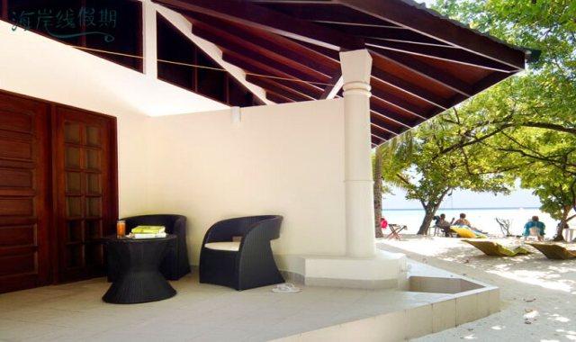 房型内部设施图片参考,如无边泳池与电视及音响, 高级客房-Superior Room maldievs(艾布度|茵布度|宜宝岛 Embudu Village Maldives)