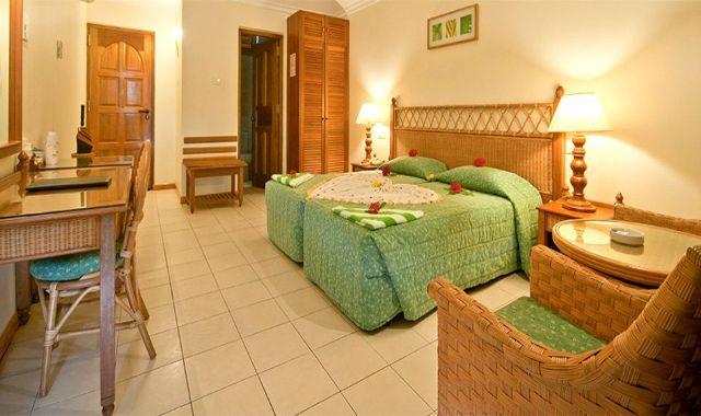 经典客房-CLassic Rooms 房型图片及房间装修风格(菲哈后岛 Fihalhohi Island Resort)海岛马尔代夫