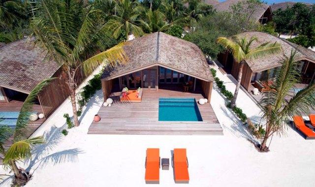房型内部设施图片参考,如无边泳池与电视及音响, 日出沙滩別墅-Sunrise Beach Villa maldievs(妃诺岛|翡诺岛 ClubMed Finolhu Villas)