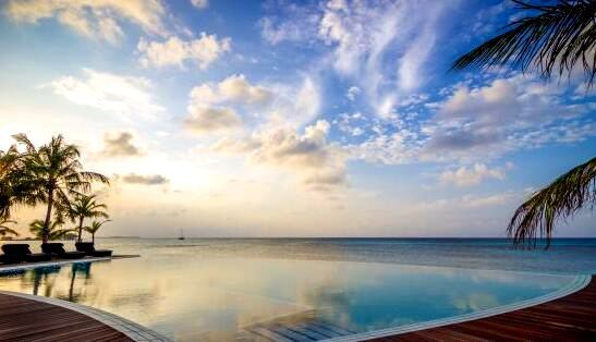 古丽都岛 Kuredu Island ,马尔代夫风景图片集:沙滩beach与海水water太美,泳池pool与水上活动watersport好玩