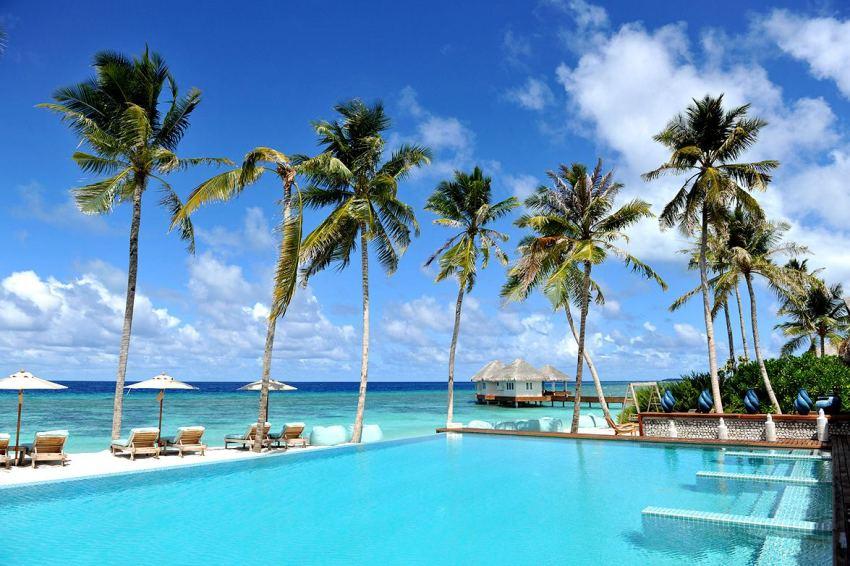 洛马 Loama Maldives ,马尔代夫风景图片集:沙滩beach与海水water太美,泳池pool与水上活动watersport好玩
