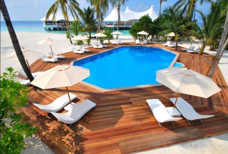 萨芙莉岛 Safari Island ,马尔代夫风景图片集:沙滩beach与海水water太美,泳池pool与水上活动watersport好玩