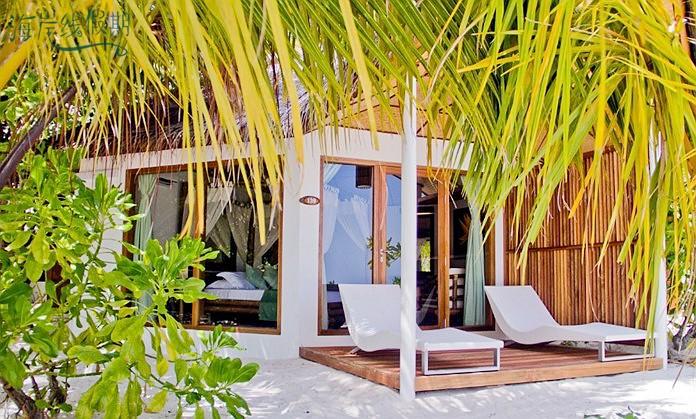 沙滩小房-Beach Bungalow 房型图片及房间装修风格(萨芙莉岛 Safari Island)海岛马尔代夫