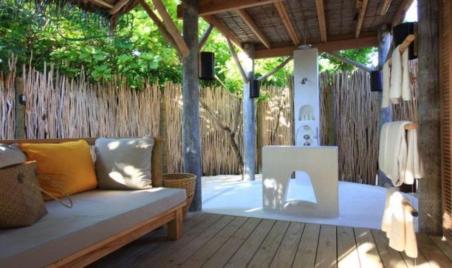 房型内部设施图片参考,如无边泳池与电视及音响, 瀉湖沙滩别墅-Lagoon Beach Villa maldievs(第六感拉姆 Six Senses Laamu Maldives)