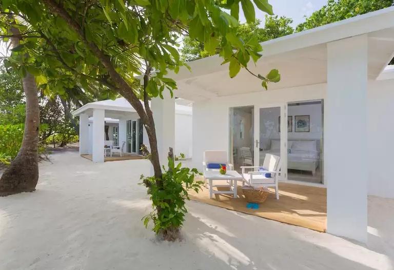 Beach Villa-海滩别墅 房型图片及房间装修风格(巴塔拉岛|桑迪斯 Sandies Bathala Maldives)海岛马尔代夫